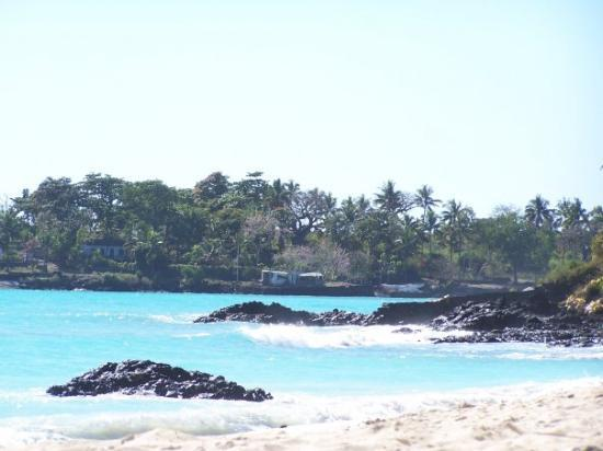 Moroni, Comorerne: lagalawa beach in the comoros 2006
