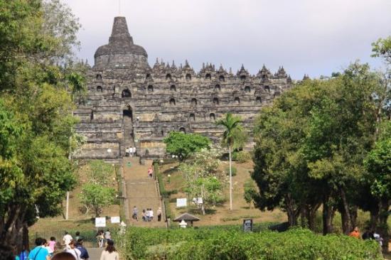 Cerita Candi Borobudur Bahasa Indonesia