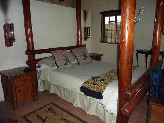 Schotia Safaris Private Game Reserve: bedroom