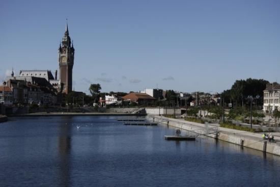 H tel de ville surplombant le bassin de la batellerie 1 2500 f7 1 expo 1 0 focal 40mm bild - Bassin recreatif ancienne lorette calais ...