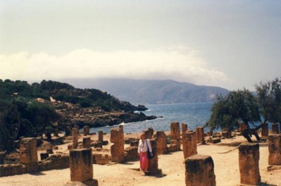Tipasa og kysten mod Oran og La plage Bleue