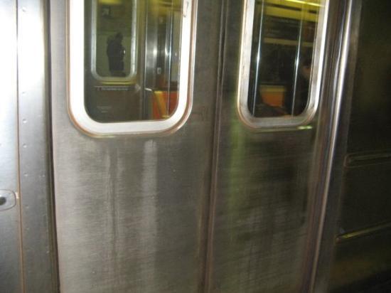Metro Pictures ภาพถ่าย