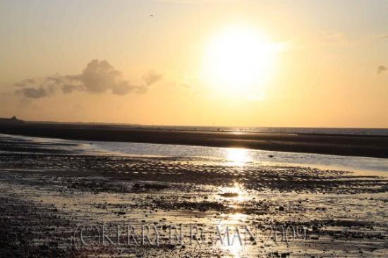 sunset normandy beach d day beach foto di caen calvados tripadvisor. Black Bedroom Furniture Sets. Home Design Ideas