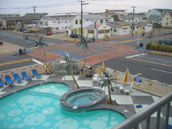 pool hot tub picture of the starlux hotel suites wildwood rh tripadvisor com starlux hotel wildwood nj kitchen starlux hotel wildwood nj kitchen