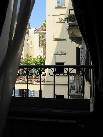 Atena Hotel: Window view