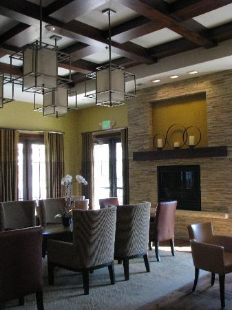 Hotel Abrego: Breakfast Area / Lounge