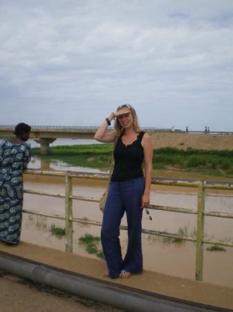 Malanville, Benin: Moi à la frontière entre le Bénin et le Nigéria