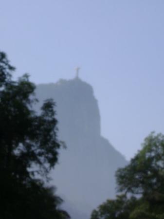 รูปปั้นพระเยซูคริสต์: Cristo Redentor.... braços abertos sobre a Guanabara...