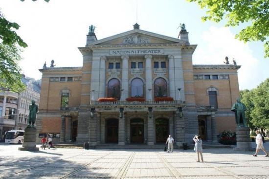 National Theater (Nationaltheatret): Národní divadlo, Oslo, Norsko