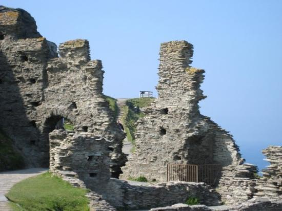 Tintagel Castle: Nothing a bit of double glazing and a lick of paint wouldn't fix