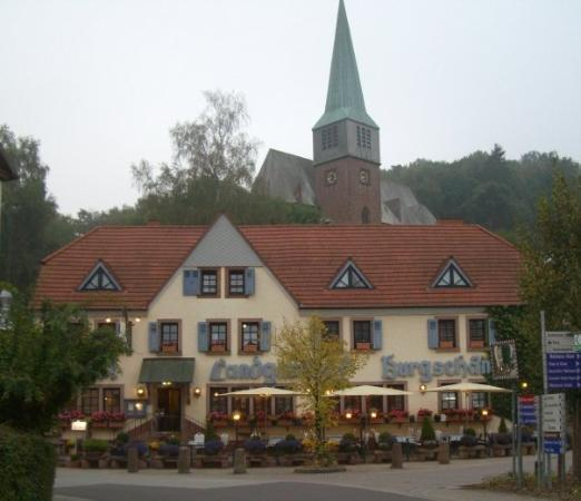 I stayed in the Hotel Burgschanke, in Hohenecken. The bells in the ...