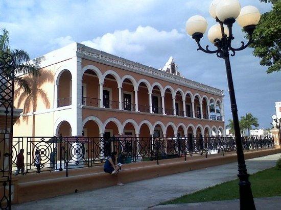 Baluarte de San Carlos/Museo de la Ciudad
