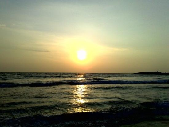 Varkala Beach : © Cheap Camera inc.