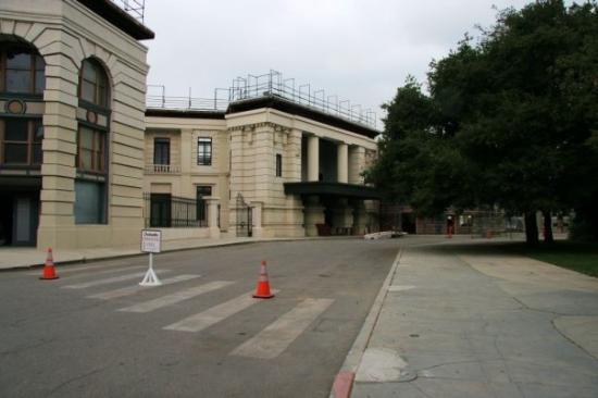 Warner Bros. Studio Tour Hollywood : The Warner backlot.