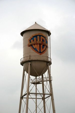 Warner Bros. Studio Tour Hollywood: The iconic WB water tower.