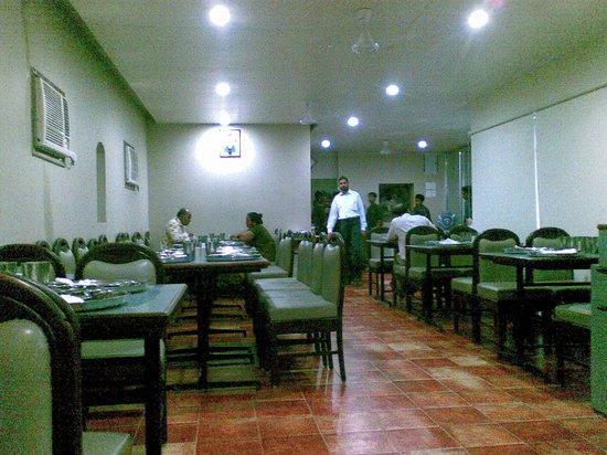 Toran Dining Hall: dining hall