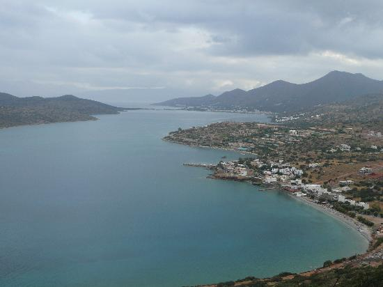 Agios Nikolaos, Yunani: Looking towards Agios from hills overlooking Plaka
