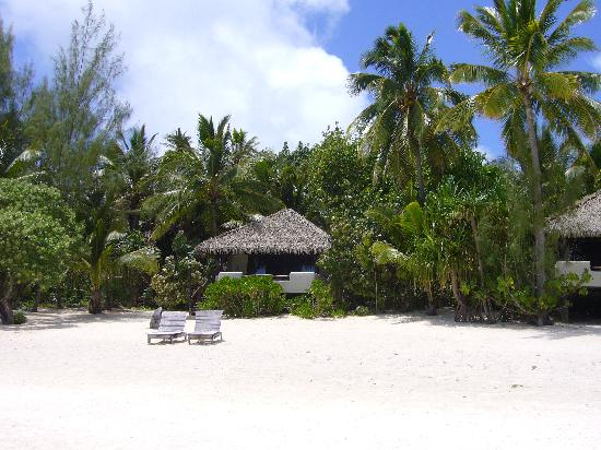 Rapae Bay: Pacific Resort, Aitutaki - One of the bungalows with sea view