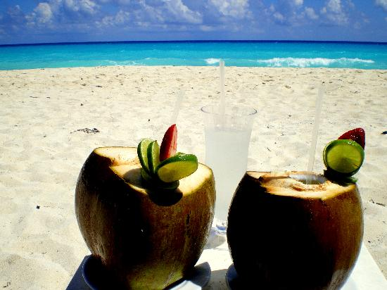Drinks On The Beach Picture Of The Ritz Carlton Cancun