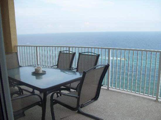 Ocean Villa Condos: Nice view from balcony