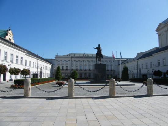 Hotel Bristol, a Luxury Collection Hotel, Warsaw : The Royal Palace...hotel next door...