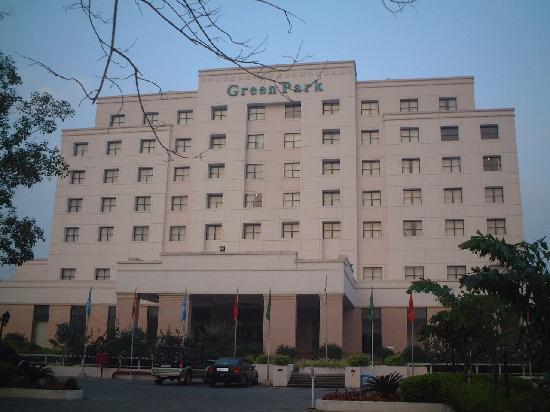 GreenPark Chennai: ビジネスホテルと言っても、日本のビジネスホテルに比べたら格段に立派です。
