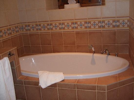La Capitelle Hotel : La salle de bain