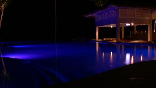 Sky Beach Club: Night scene of pool