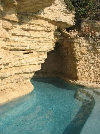 Chateau La Roque: the pool