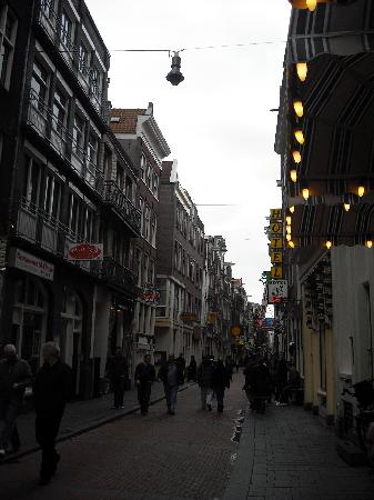 Hostel Meeting Point: Location of the hostel in the Red Light district