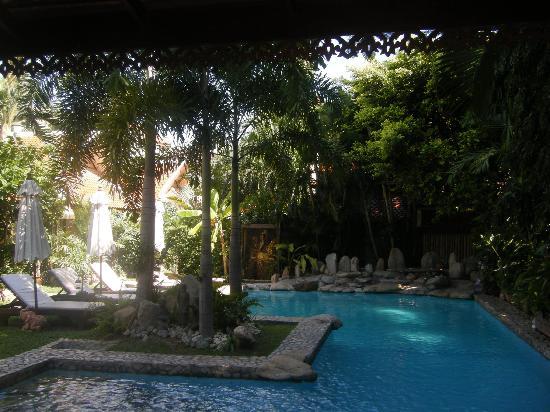 Le Prive Pattaya: la piscine