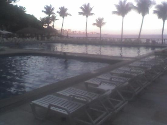 Sheraton Grand Rio Hotel & Resort: Evening Shade at poolside.