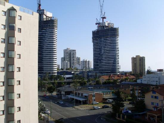 Broadbeach Travel Inn Apartments: view