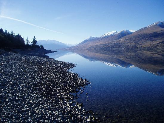 Lake Ohau Lodge: looking down the lake to Glen Mary