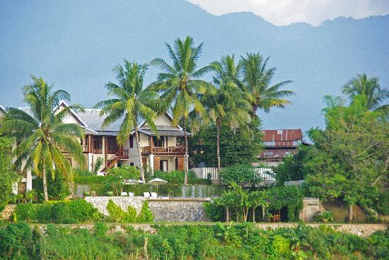 Mekong Estate: hotel from the mekong