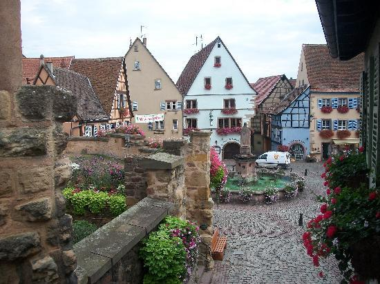 Eguisheim, France : The Town Square
