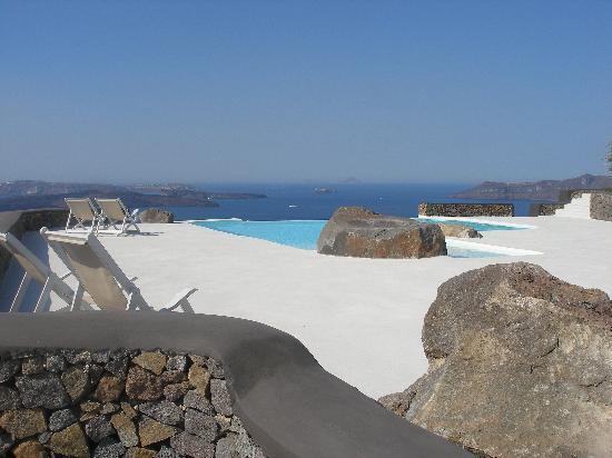 Aenaon Villas: Swimming pool