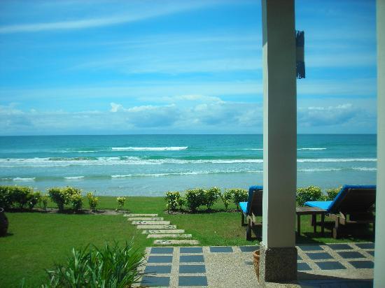 เนกซัสรีสอร์ท แอนด์ สปา การัมบูไน: View from the Villa