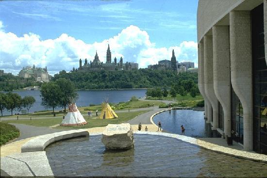 ออตตาวา, แคนาดา: Parliement from Museum of Civilization