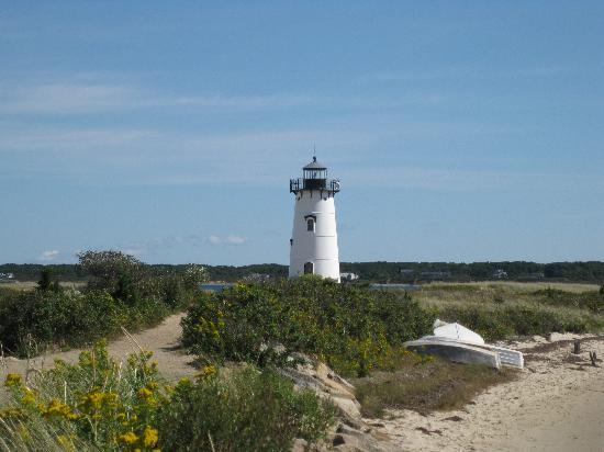 Green Harbor Waterfront Lodging: Lighthouse in Edgartown on MVI