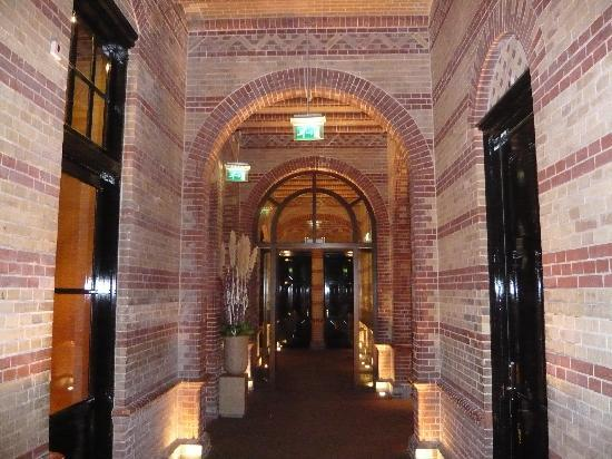 The College Hotel: Lobby