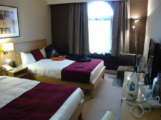 Hilton York: 2nd floor room