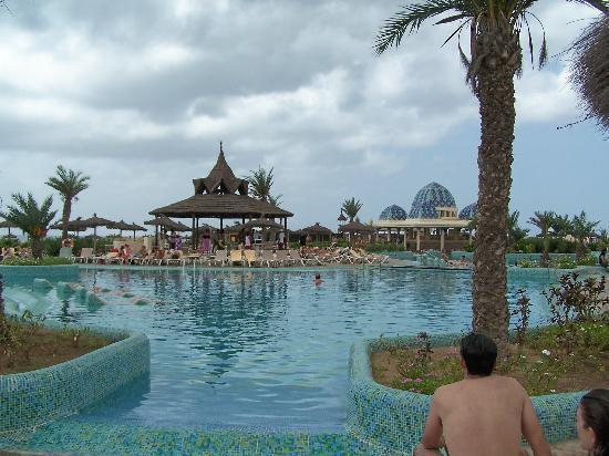 swimming pool picture of clubhotel riu karamboa boa. Black Bedroom Furniture Sets. Home Design Ideas