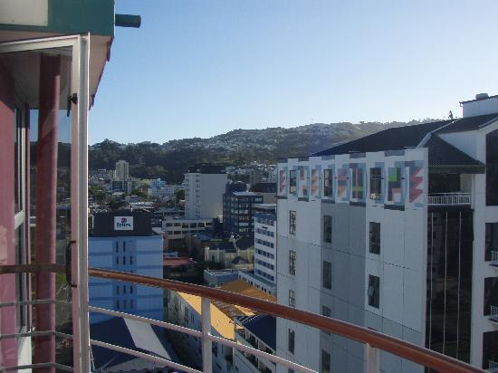 Grand Mercure Wellington Central City Apartments : view from 13th floor