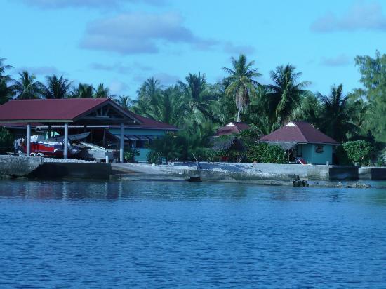 Pension Tapuheitini: La pension vue du lagon