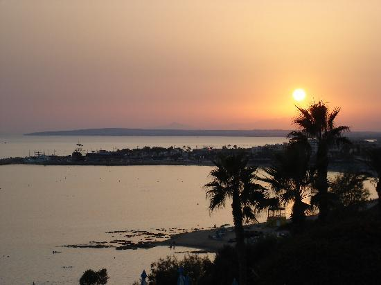 Atlantica Club Sungarden Hotel : sunset in Aiya Napa