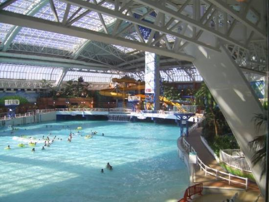 West Edmonton Shopping Mall With Waterpark Picture Of Calgary Alberta Tripadvisor