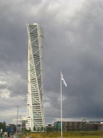 HSB Turning Torso: Turning Torso   The Tallest Building In Sweden, Designed  By Spanish