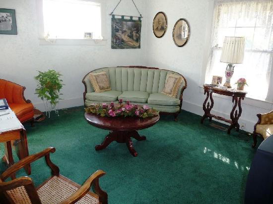 Wayman's Corner Bed and Breakfast: Lounge for the guests