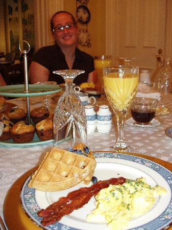 Dupont Mansion B&B: breakfast